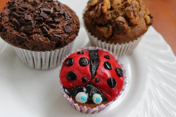 ladybird cupcakes with muffins